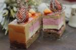 中国茶とミルクチョコレートを春向けスイーツとして構成する