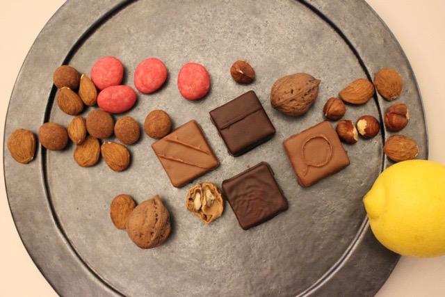 ナッツの旨味を引き出すプラリネとパートをショコラと組み合わせるバレンタインボンボン
