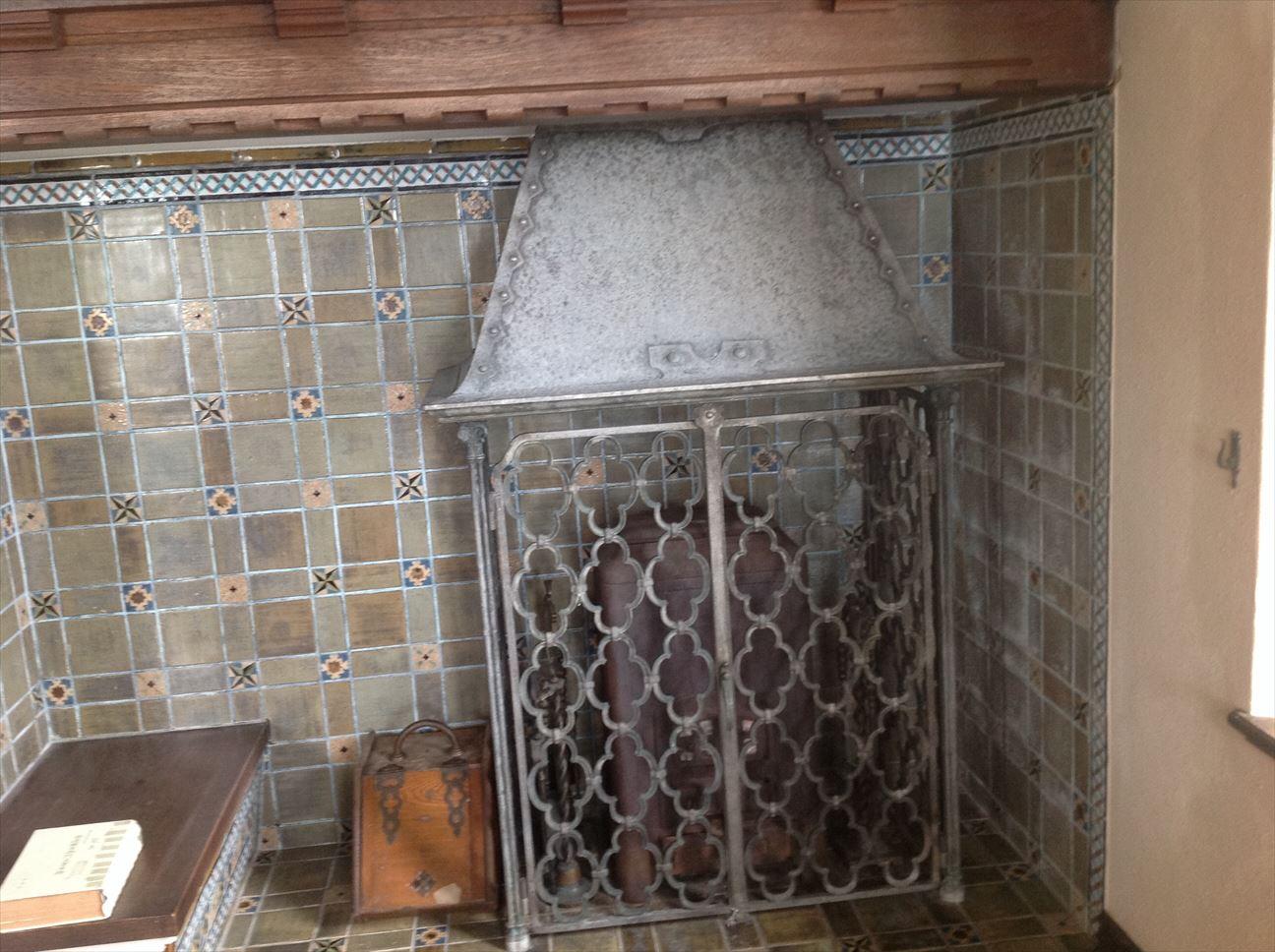 西洋館室内、暖炉