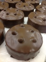 焼き菓子あれこれ。チョコレートとジャンドゥーヤ、ごまのブルトン。