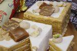 フランス産バターで仕込む、特別な日のためのバタークリームとキャラメルのケーキ